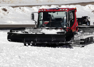 A snow cat grooms the snow preparing trails at the Navajo Lodge for opening day on Nov. 27, Brian Head Resort, Brian Head, Utah, Nov. 21, 205 | Photo by Carin Miller, St. George News