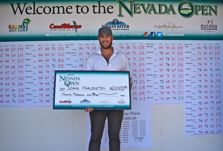2014 Nevada Open Champion poses with his $20,000 check, Mesquite Nevada, Nov. 2014 | Photo by Tyler Coop of Mesquite Gaming, St. George News