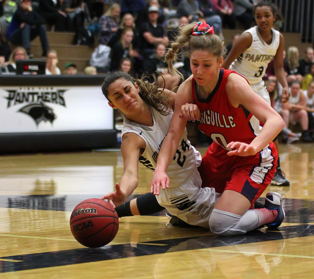 Pine View's Tayvia AhQuin (24) dives for a loose ball, Pine View vs. Springville, Girls Basketball, St. George, Utah, Dec. 4, 2015, | Photo by Robert Hoppie, ASPpix.com, St. George News