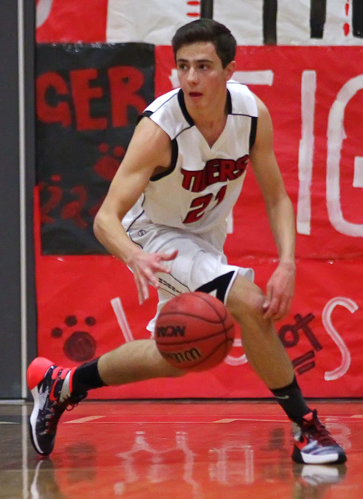 Hurricane's  Josh Parker (21), Hurricane vs. Richfield, Boys Basketball, Hurricane, Utah, Dec. 16, 2015, | File photo by Robert Hoppie, ASPpix.com, St. George News