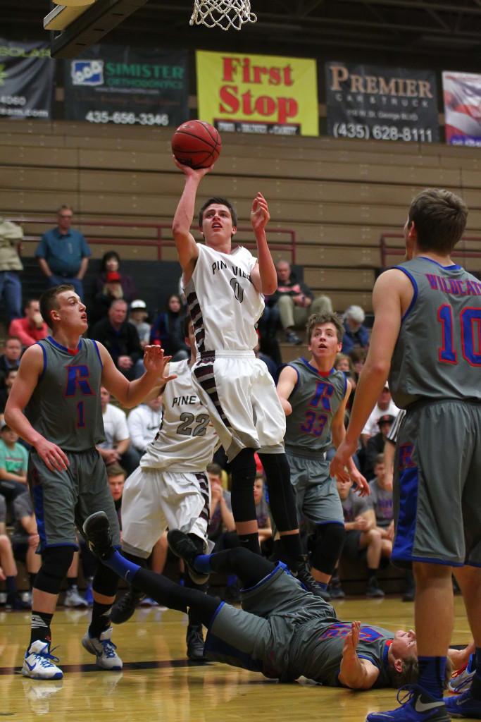 Pine View's Brandon Yates (0), Pine View vs. Richfield, Boys Basketball, St. George, Utah, Dec. 30, 2015, | Photo by Robert Hoppie, ASPpix.com, St. George News