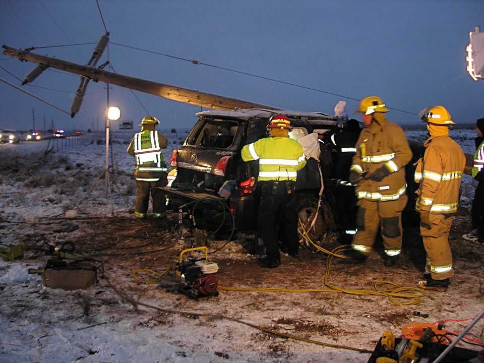 Power pole crashes down on SUV after motorist slides on ice – St