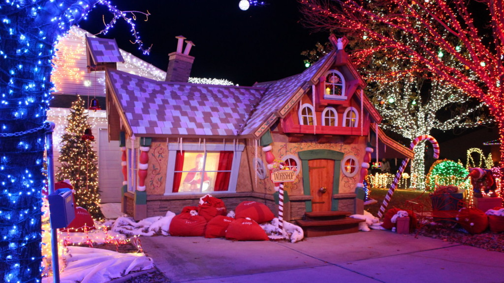 """The Olsen home is the second St. George home to be featured on the 2015  season of ABC's """"The Christmas Light Fight"""" and win, St. George, Dec. - Second St. George Home Wins $50,000 In ABC's 'The Christmas Light"""