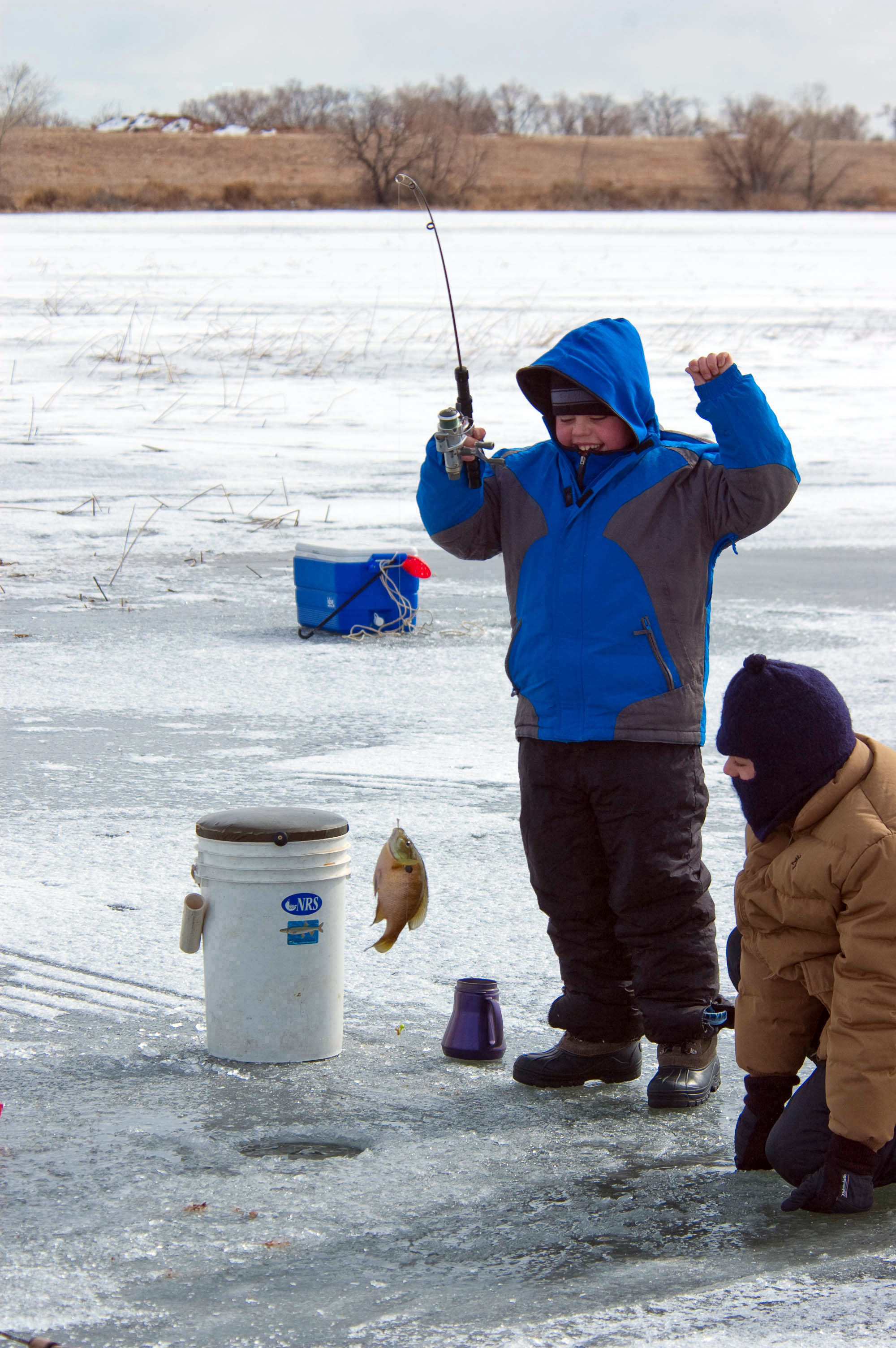 Find right depth to catch fish through ice southern utah for How to catch fish in a lake