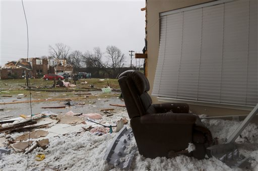 A comfort chair is seen at the site of a residence whose wall was blown away by Saturday night's tornado, Copeville, Texas, Dec. 27, 2015 | Photo by Rachel Woolf, The Dallas Morning News via AP, St. George News