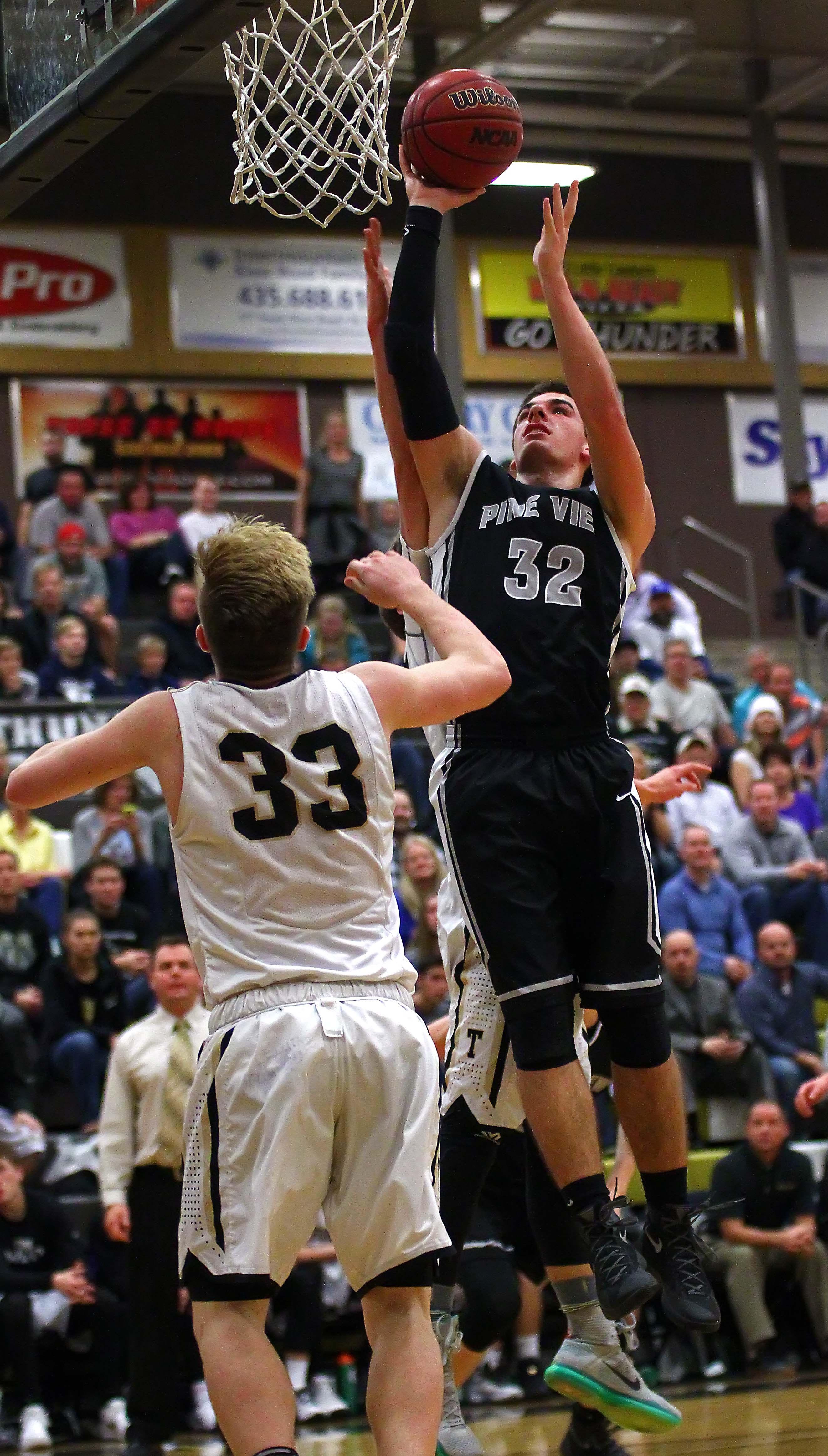 Pine View's Steve Bangerter (32), Desert Hills vs. Pine View, Boys Basketball, St. George, Utah, Jan. 22, 2016, | Photo by Robert Hoppie, ASPpix.com, St. George News