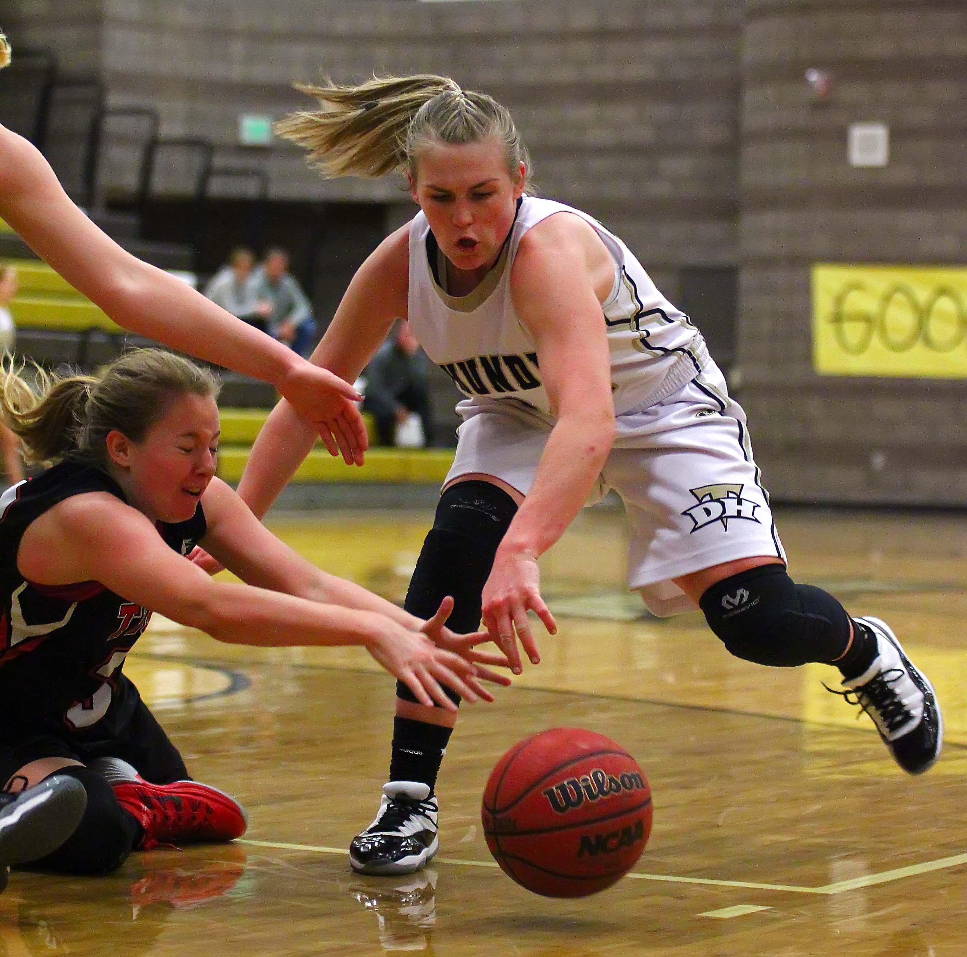 Desert Hills' Ashley Beckstrand (24), Desert Hills vs. Hurricane, Girls Basketball, St. George, Utah, Jan. 28, 2016, | Photo by Robert Hoppie, ASPpix.com, St. George News