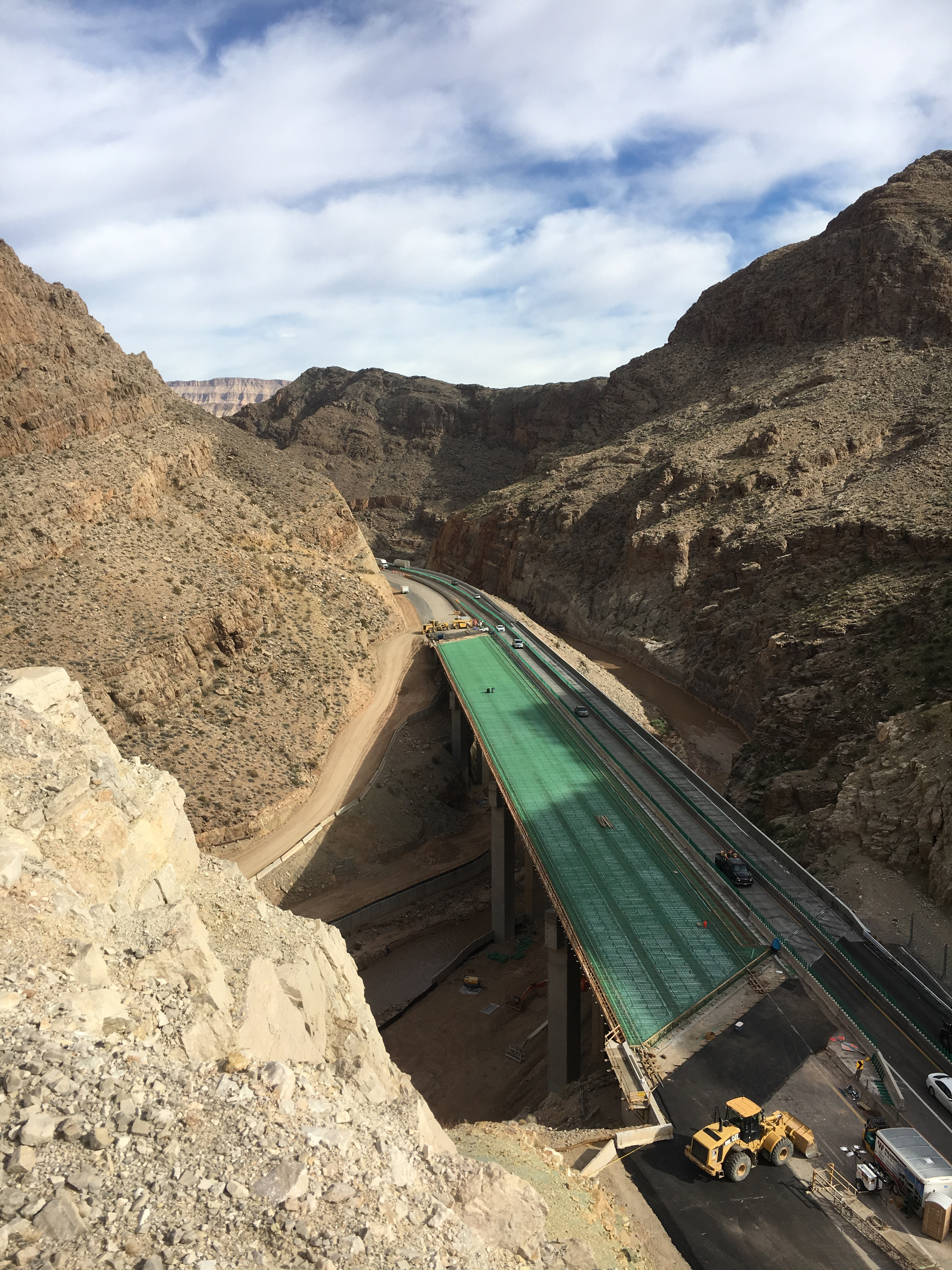 This recent photo of the southbound Interstate 15 Bridge No. 6 shows the epoxy coated rebar that will be filled with concrete during a deck pour Feb. 9-11, 2016. Virgin River Gorge in Mohave County, Arizona, January 2016 | Photo courtesy of Arizona Department of Transportation, St. George News