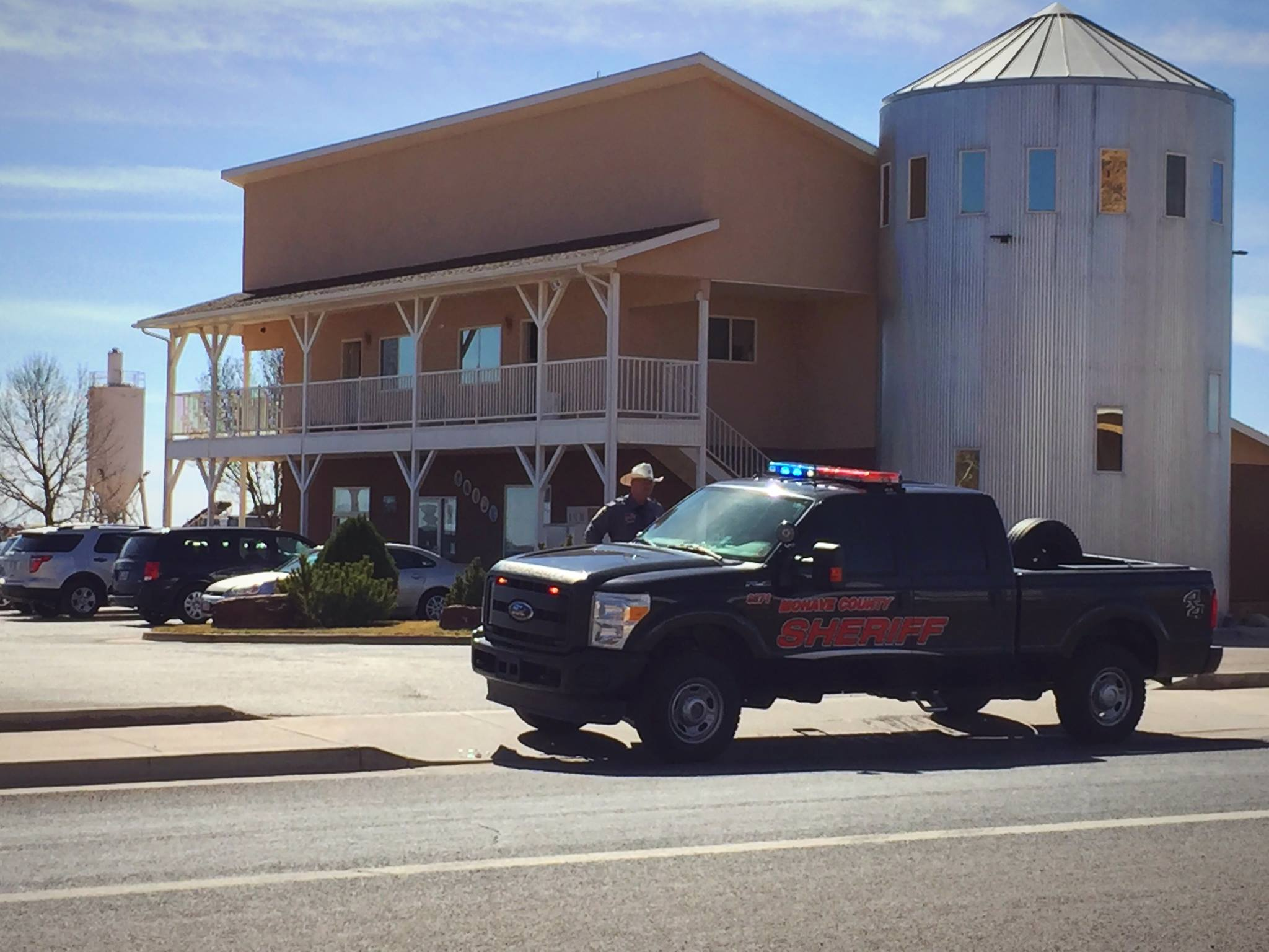 Multi-agency law enforcement converge on the communities of Hildale, Utah, and Colorado City, Arizona, in connection with a federal indictment naming 11 leaders of the Fundamentalist Church of Jesus Christ of Latter Day Saints on conspiracy and money laundering charges, Feb. 23, 2016 | Photo by Kimberly Scott, St. George News