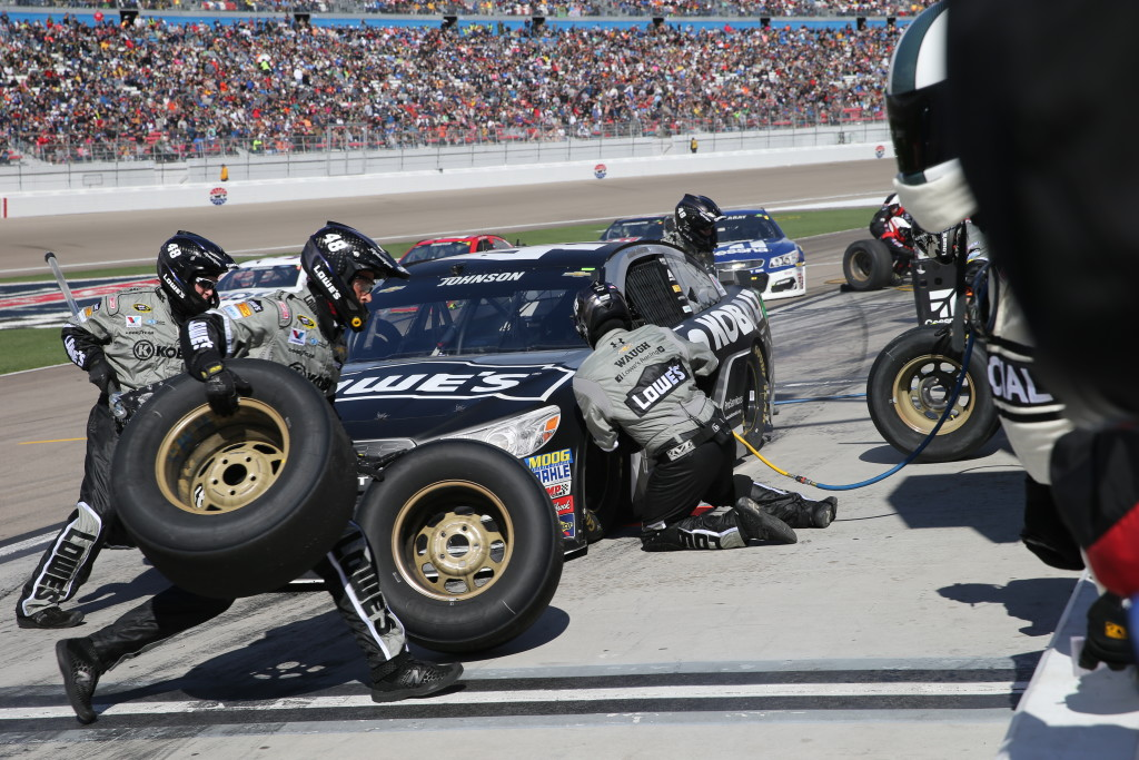 Quick pits with 58-pound tires at the Kobolt 400, Las Vegas, Nev., Mar. 6, 2016. | Photo by Rick Johnson, special to St. George News