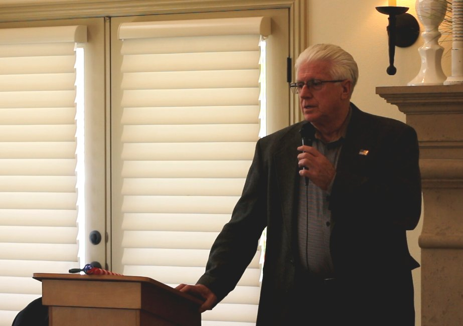 Rep. Don Ipson giving a quick wrap-up of the recent legislative session at the Dixie Republican Forum, St. George, Utah, March 15, 2016 | Photo by Mori Kessler, St. George News