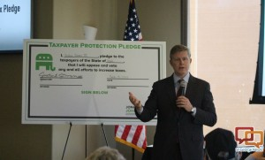 Republican gubernatorial candidate Jonathan Johnson took a pledge not to raise taxes in Utah if elected governor, St. George, Utah, March 15, 2016 | Photo by Mori Kessler, St. George News
