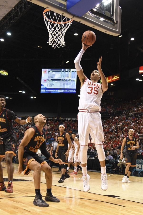 Utes forward Kyle Kuzma (35) against Southern California. | Photo courtesy Utah Athletics and Kyle Terada-USA TODAY Sports