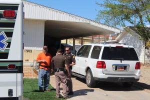 UHP Troopers talk with a homeowner in the Dixie Downs area after an assault on one of the troopers during a traffic stop, St. George, Utah, April 3, 2016 | Photo by Ric Wayman, St. George News
