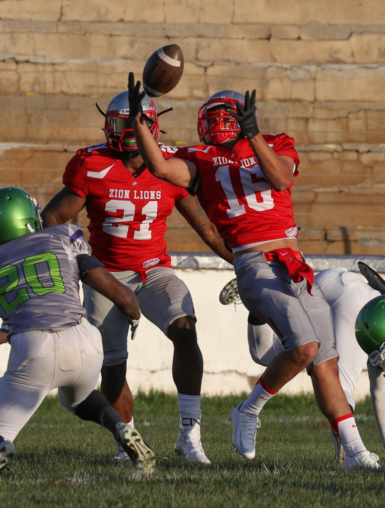 Zion Lions' Kaipo Hurtt (16), Zion Lions vs.Vegas Hawks, Football,  St. George, Utah, Apr. 16, 2016, | Photo by Kevin Luthy, St. George News