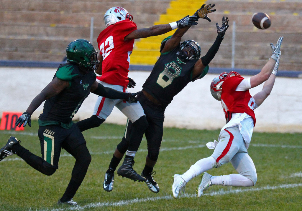 Zion Lions' Bailey Glass (81) nearly pulls in a long pass, Zion Lions vs. Las Vegas Trojans, Football, May 7, 2016, | Photo by Robert Hoppie, ASPpix.com, St. George News