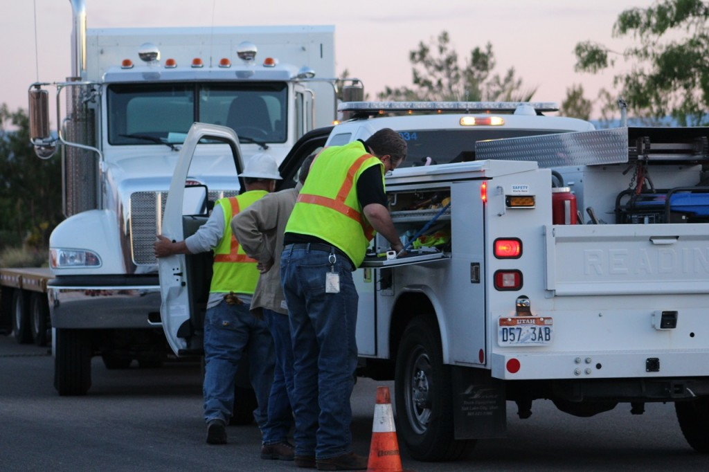 Service technicians from Questar Gas on scene completing repair of broken natural gas line where over 200 customers lost service, Washington, Utah, May 11, 2016 | Photo by Cody Blowers, St. George News