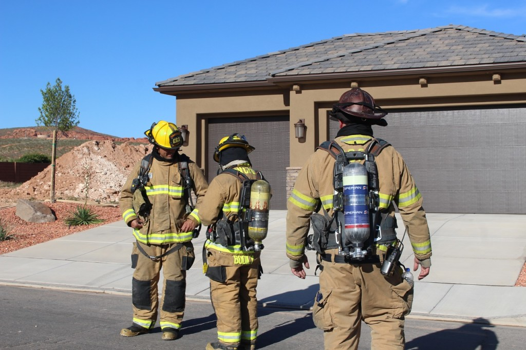 Firefighters from Washington City Fire Department are on scene during gas leak in Washington Citythat has caused the evacuation of 8-10 homes in the area, Washington, Utah, May 11, 2016 | Photo by Cody Blowers, St. George News