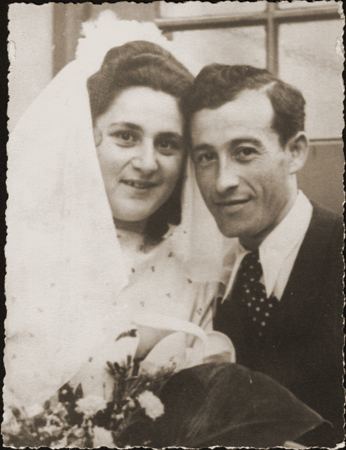 Fiagla Fischel and Berl Moncznik on their wedding day, Munich, Germany, May 27, 1947 | Photo courtesy of Penny Lindenbaum, St. George News