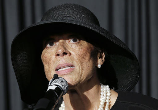 Lonnie Ali, widow of Muhammad Ali, thanks friends and supporters during a reception at the Muhammad Ali Center on Friday in Louisville, Ky. The funeral and memorial service for the boxer were held earlier in the day. June 10, 2016 | AP Photo/Mark Humphrey; St. George News
