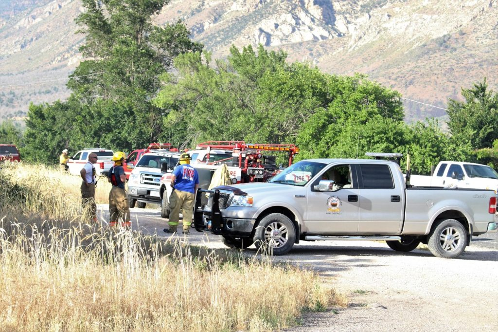 Heavy response by firefighters and emergency personnel contain brush fire Wednesday evening in Pintura, Washignton County, Utah, June 8, 2016 | Photo by Cody Blowers, St. George News