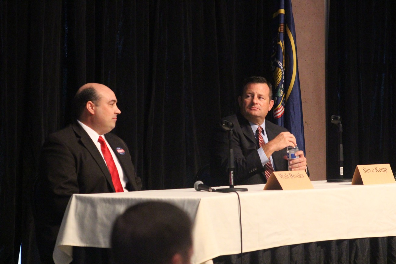 L To R: Walt Brooks and Steve Kemp, candidates for the Republican nomination for House District 75, debate at a forum hosted by the St. George Area Chamber of Commerce, St. George, Utah, June 15, 2016 | Photo by Mori Kessler, St. George News