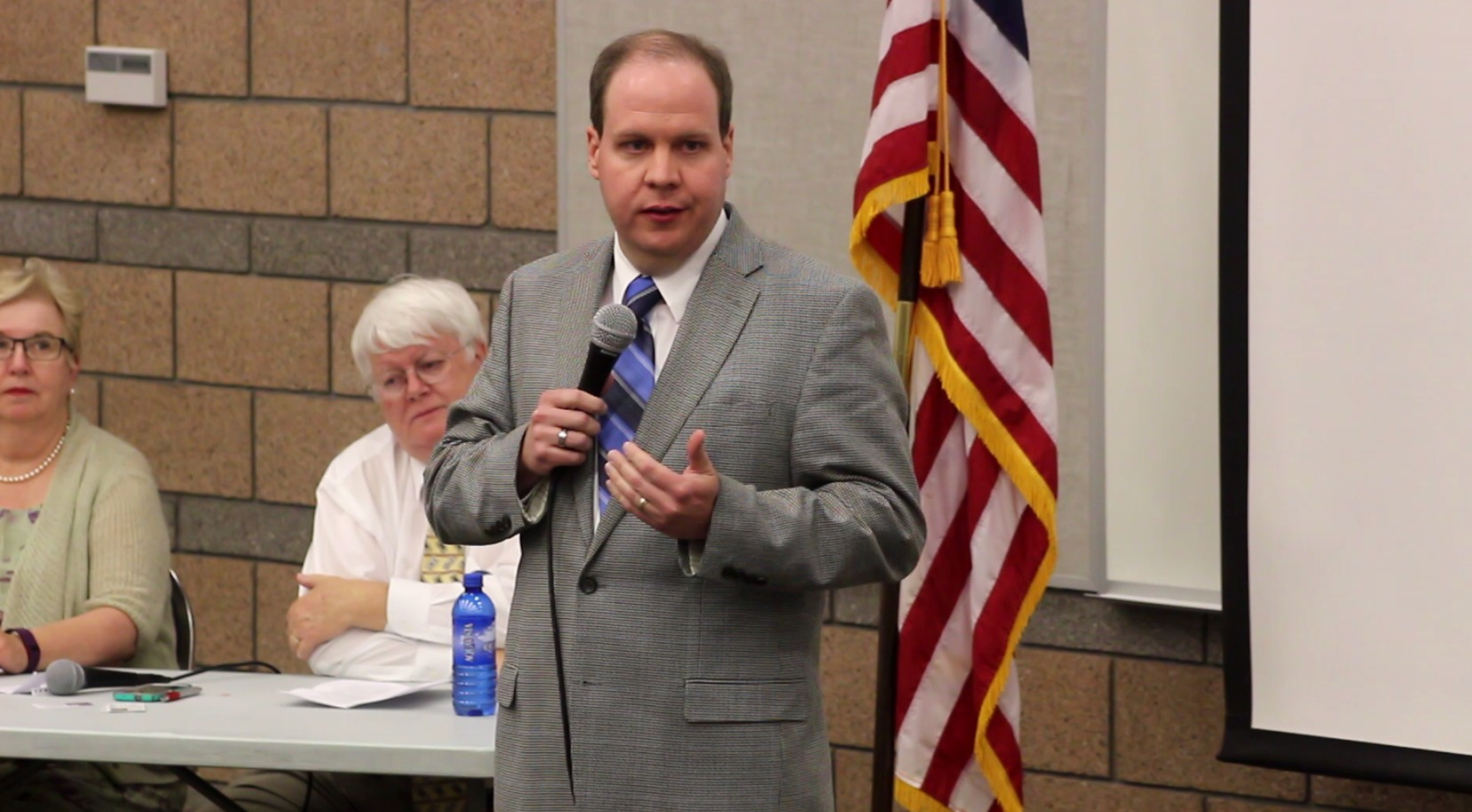 Jonathan Swinton at Tonaquint Intermediate School debating against Misty K. Snow. Both are seeking the Democratic nomination for senate on the June 28 primary election, St. George, Utah, June 14, 2016 | Photo by Mori Kessler, St. George News