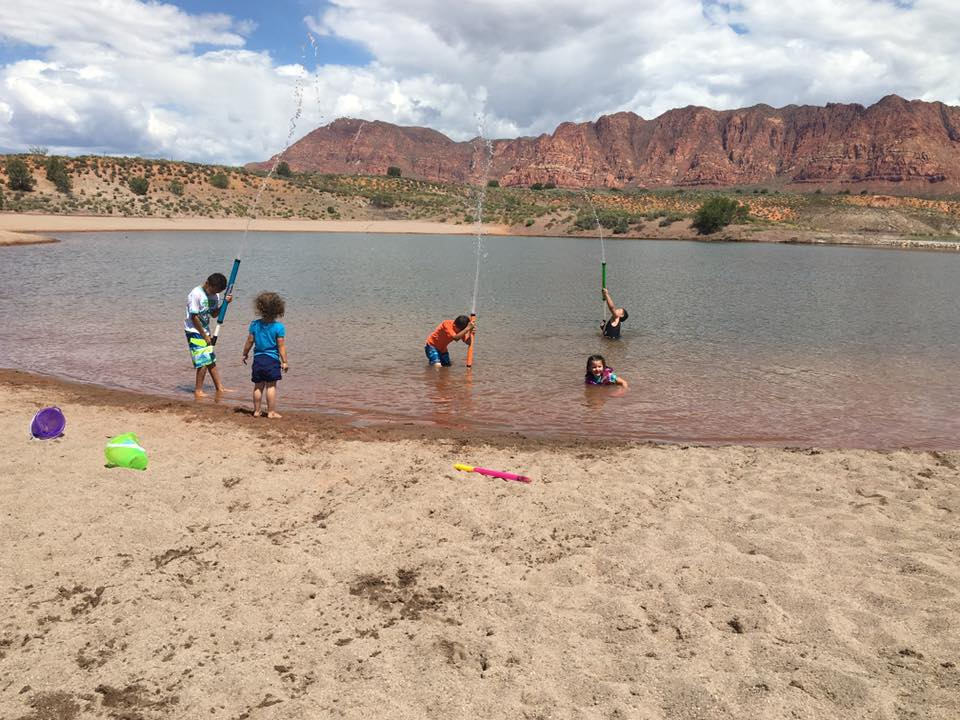Children enjoying the newly opened Fire Lake in Ivins, Utah, May 27, 2016 | Photo courtesy of Michelle Cumming, St. George News