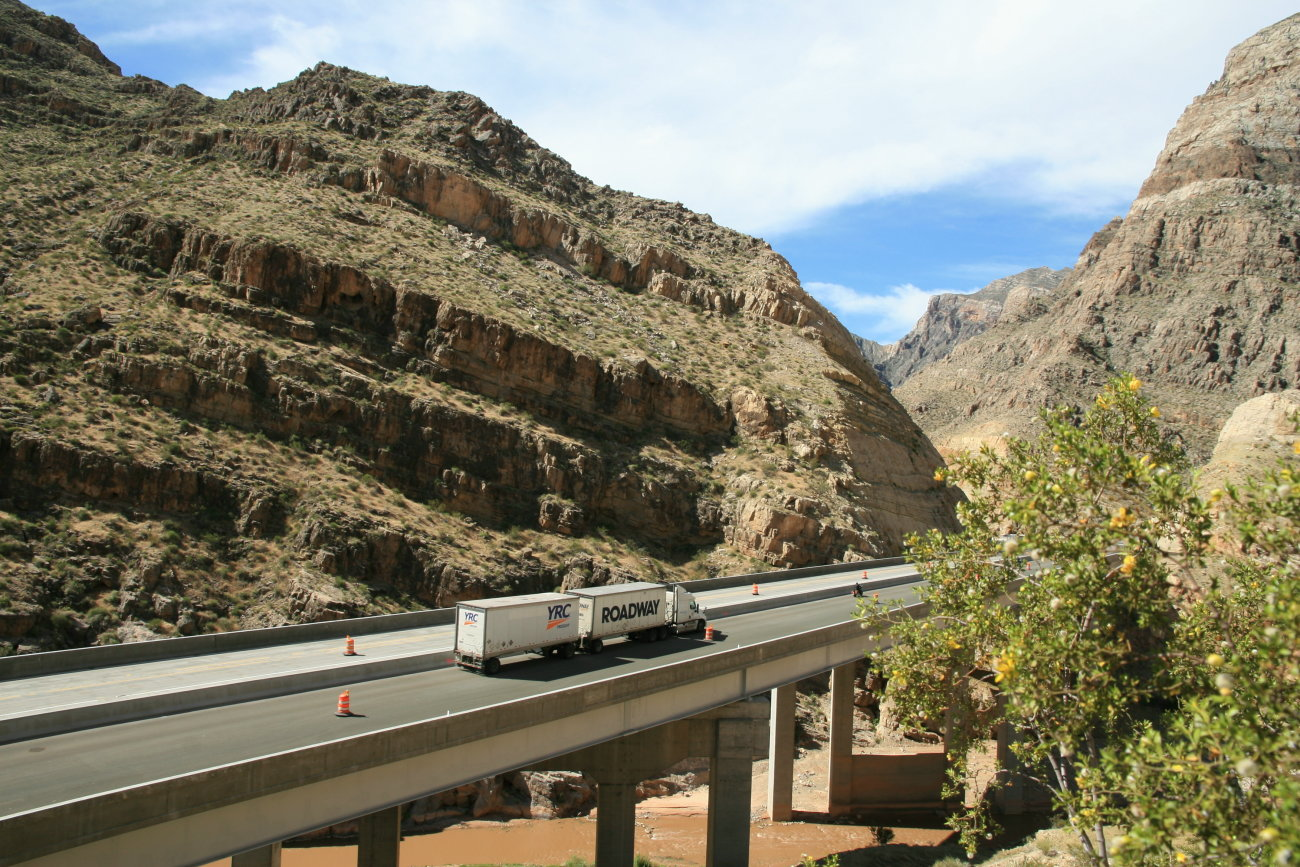 Renovated Bridge no. 6 in the Virgin River Gorge, Mohave County, Arizona, circa May 2016 | Photo courtesy of the Arizona Department of Transportation, St. George News
