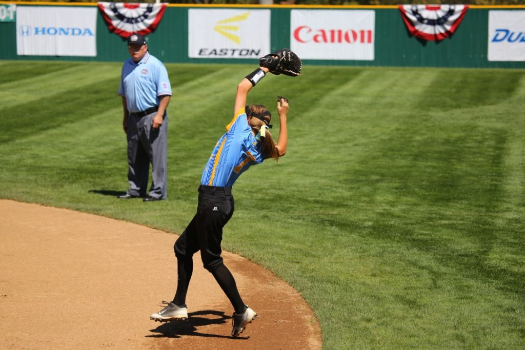 Ginny Deming makes a catch, Snow Canyon vs. Canada, Little League Softball World Series, Portland, Ore., Aug. 11, 2016 | Photo by Scott Miller, for St. George News