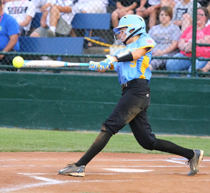 Kambrie Stuart gets a hit, Snow Canyon vs. Central USA, Little League Softball World Series, Portland, Ore., Aug. 13, 2016 | Photo by Scott Miller, special to St. George News