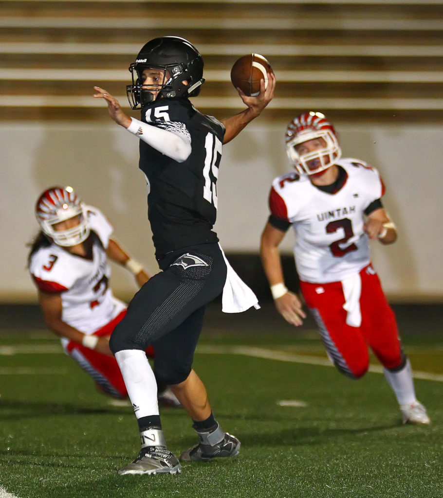 Pine View's Ryan Javines (15), Pine View vs. Uintah, Football, St. George, Utah, Aug. 26, 2016, | Photo by Robert Hoppie, ASPpix.com, St. George News