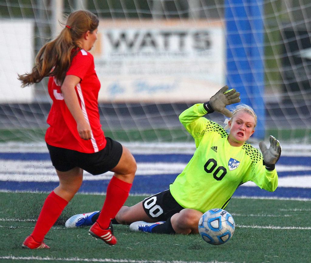 Dixie's Mashaun Estridge (00), Dixie vs. Hurricane, Soccer, St. George, Utah, Aug. 31, 2016, | Photo by Robert Hoppie, ASPpix.com, St. George News