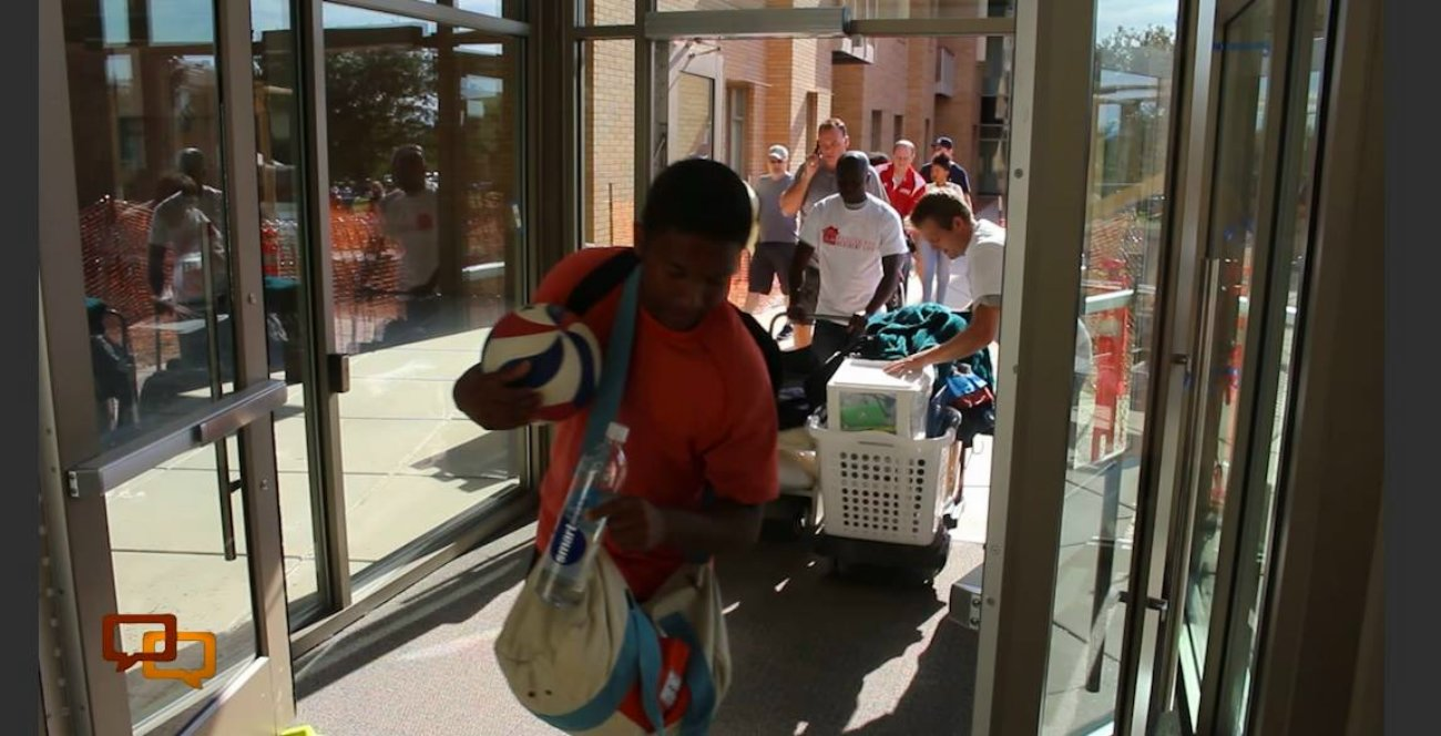 Move-in day at the Campus View Suites at Dixie State University, St. George, Utah, Aug. 15, 2016 | Photo by Mike Cole, St. George News