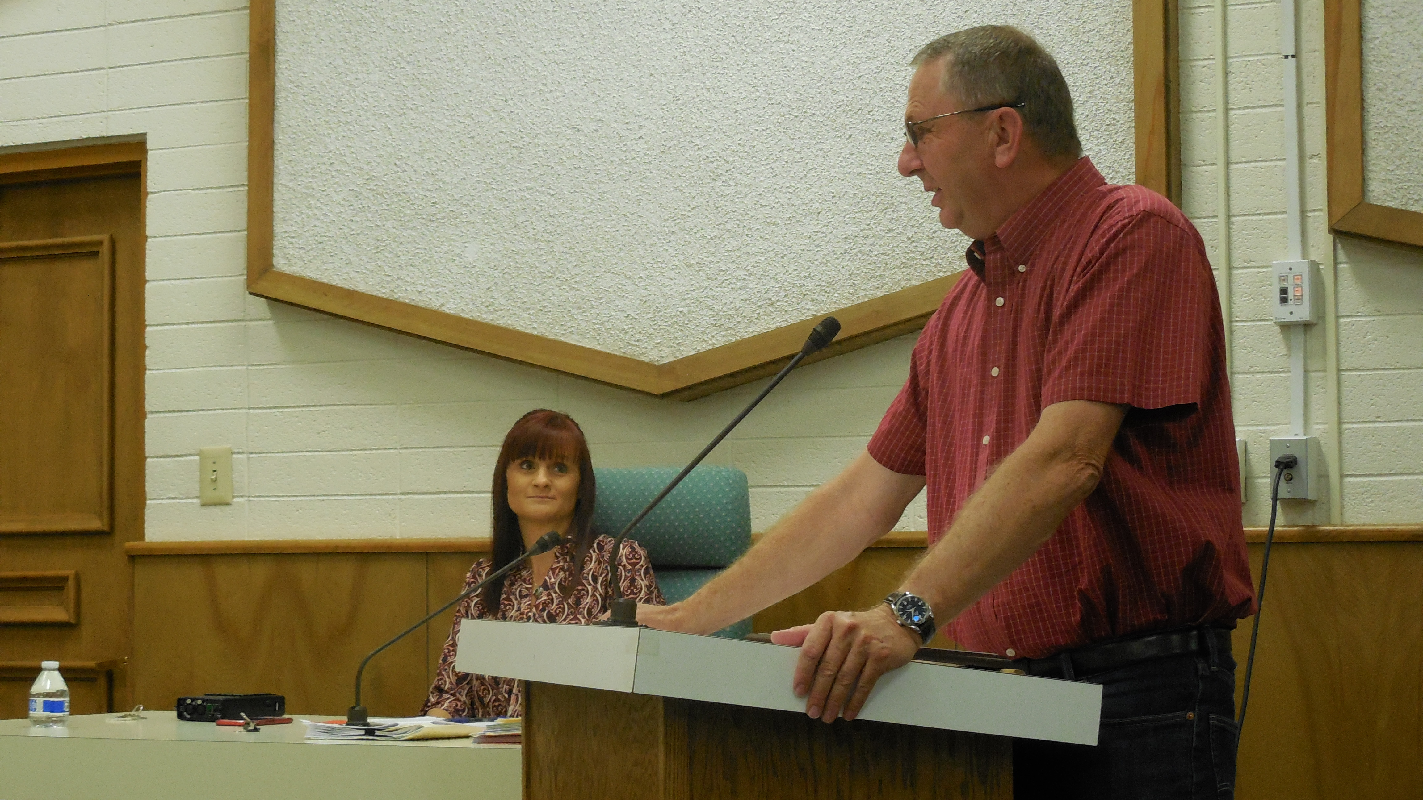 Former county administrator Dean Cox says farewell to the County Commission Tuesday. Cox retired after 30 years of service to the county, St. George, Utah, Aug. 16, 2016 | Photo by Julie Applegate, St. George News