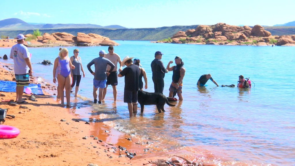 More than 10 contestants compete in Ultimate Diver Challenge fundraiser held at Sand Hollow State Park, Hurricane, Utah, Aug. 13, 2016 | Photo by Sheldon Demke, St. George News