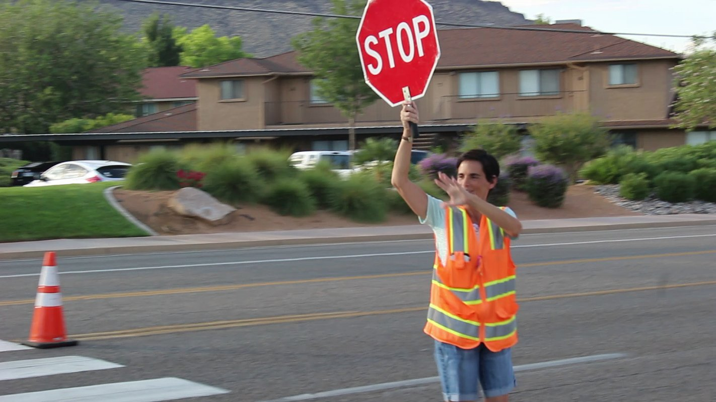 At the intersection of 540 North and Valley View Drive where crossing guard Eralee Fowkes waves an smiles at everyone who passing by, St. George, Utah, Aug. 16, 2016 | Photo by Mori Kessler, St. George News