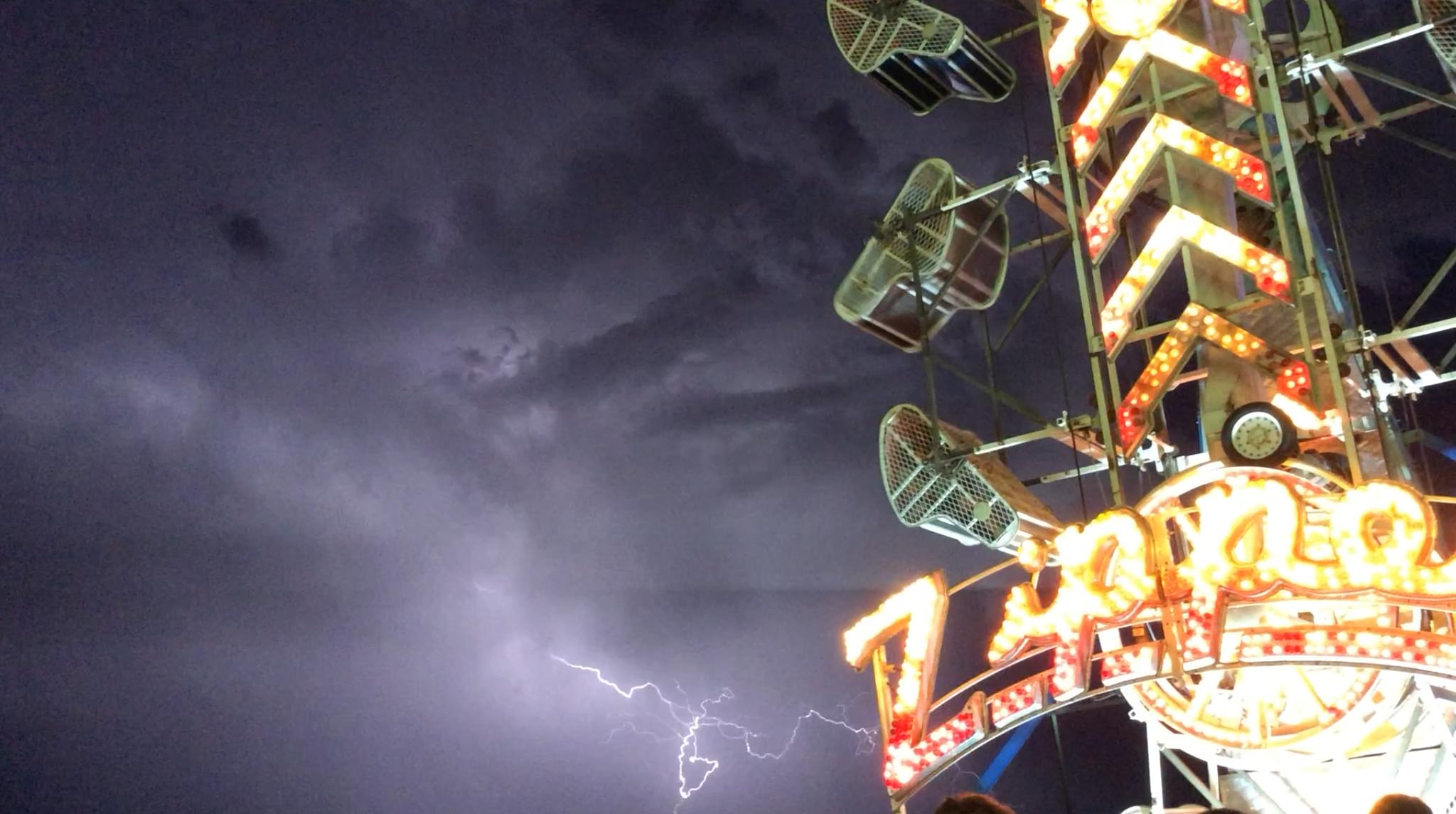 Lightning threatens the fun, but the Washington County Fair goes on. Hurricane, Utah, Aug. 10, 2016 | Photo by Cami Cox Jim, St. George News