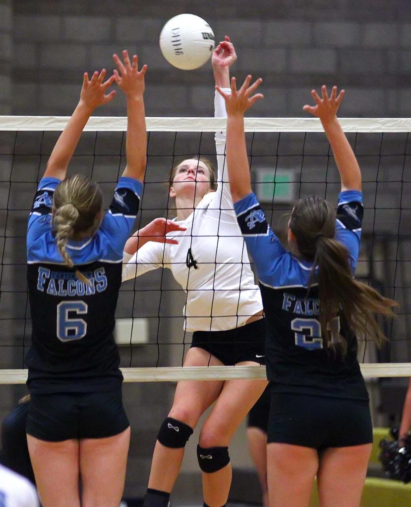 Desert Hills' Saselah Goulding (4), Desert Hills vs. Canyon View, Volleyball, St. George, Utah, Sept. 8, 2016, | Photo by Robert Hoppie, ASPpix.com, St. George News