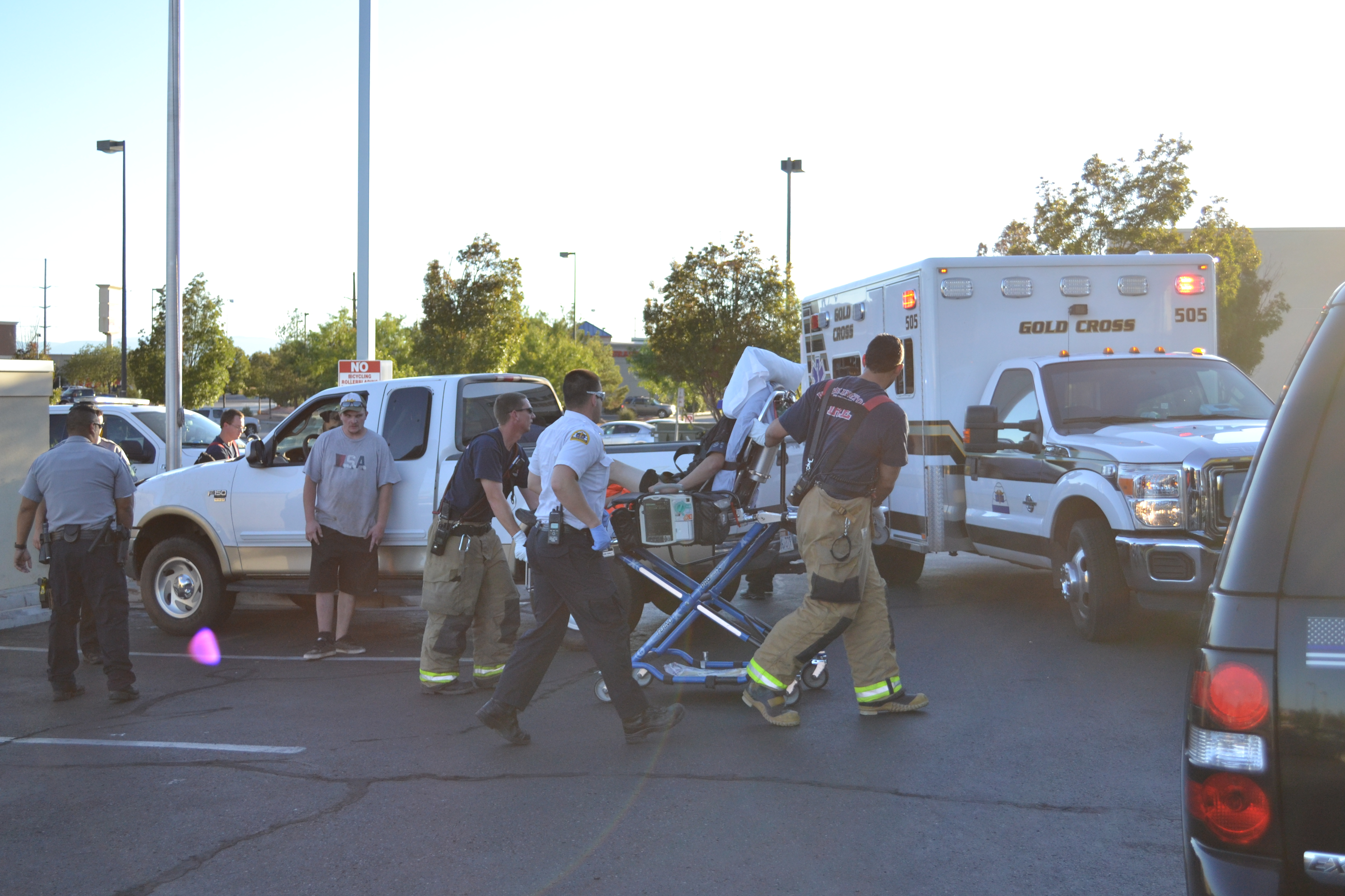 Police and emergency crews respond when a man becomes pinned against wall after reportedly attempting to push his truck, Washington City, Utah, Sept. 26, 2016 | Photo by Joseph Witham, St. George News