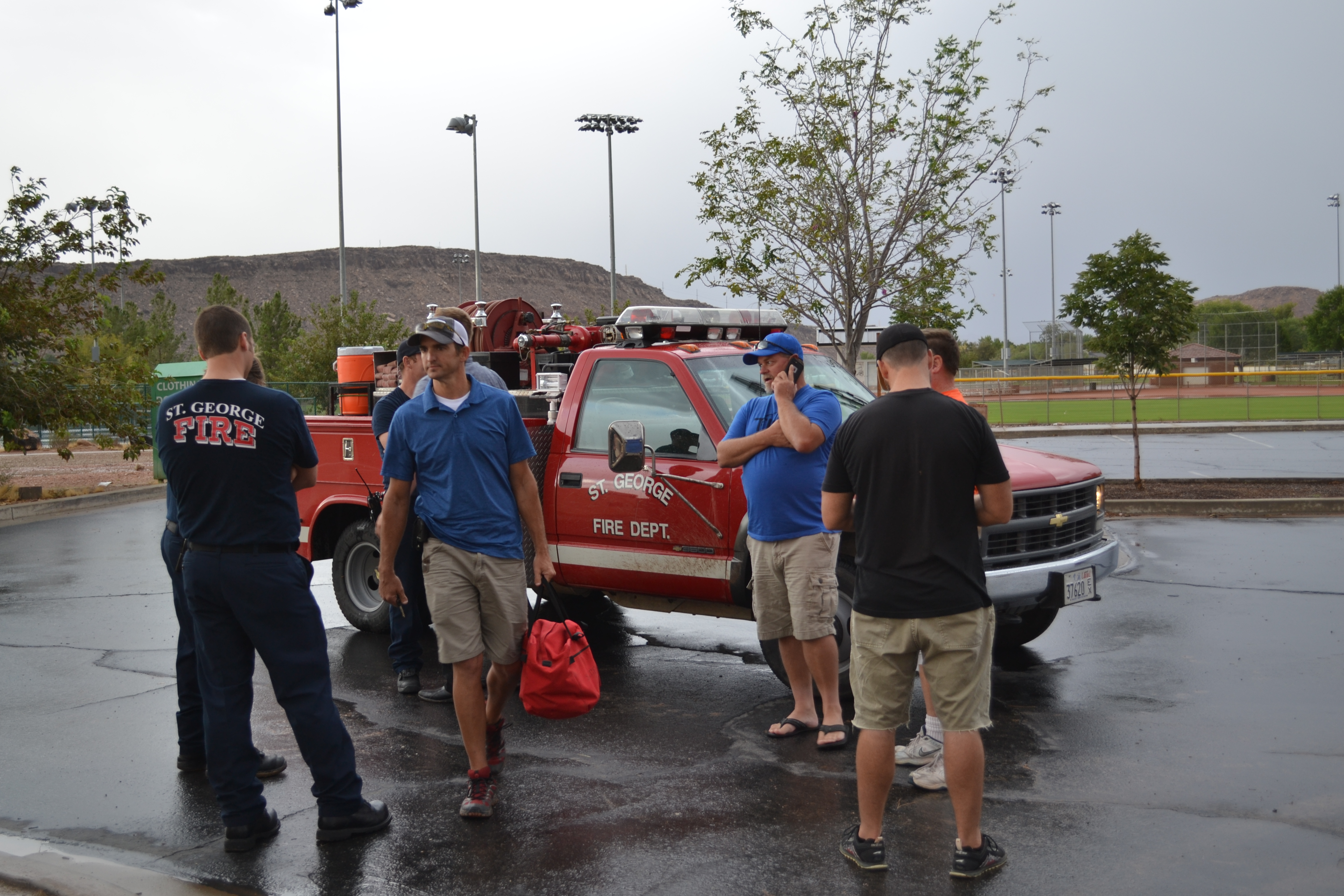 St. George Fire emergency respond after an unidentified man was reported to have fallen from a kayak into the Virgin River, St. George, Utah, Sept. 22, 2016 | Photo by Joseph Witham, St. George News