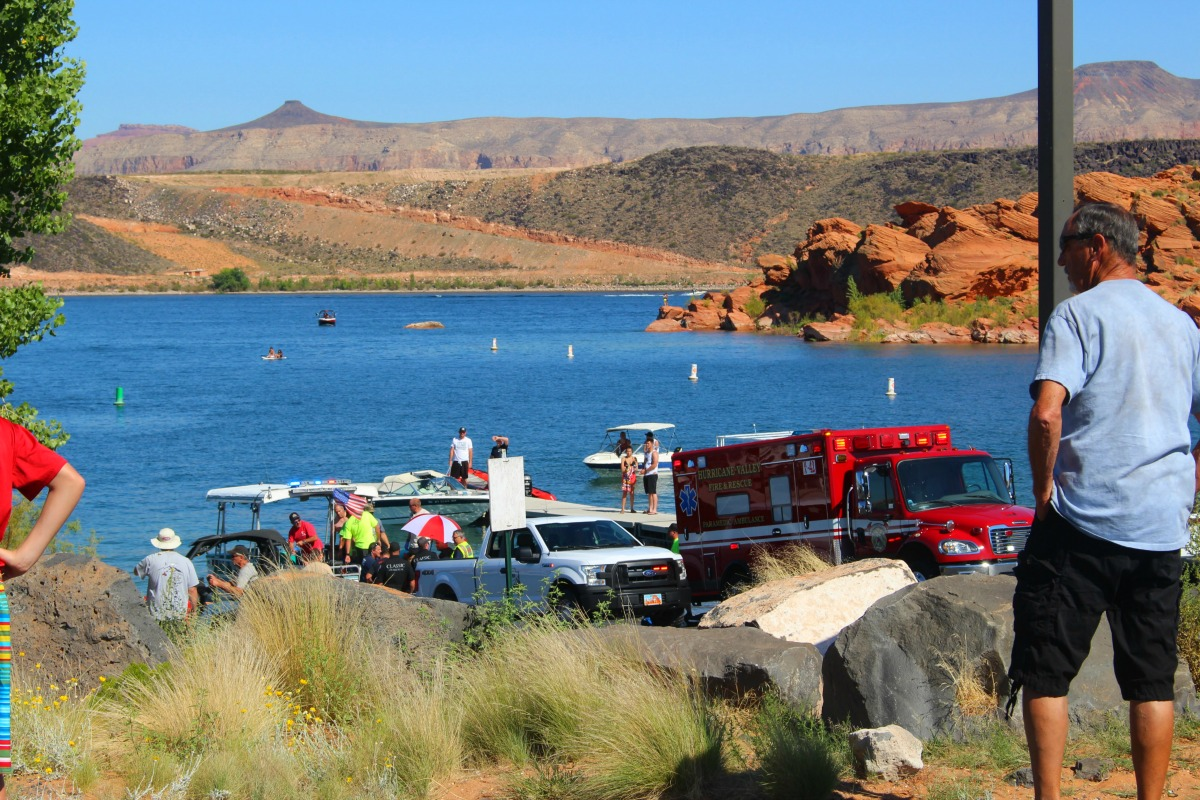 Numerous rescuers and emergency personnel assist after a swimmer lost conciousness at Sand Hollow during a Search and Rescue training, Hurricane, Utah, Sept. 17, 2016 | Photo by Cody Blowers