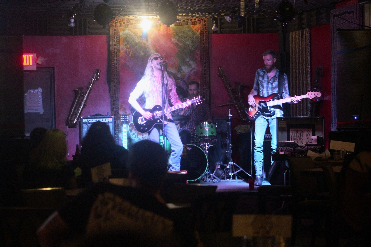 Candy's River House, a band from Salt Lake City, plays at Jazzy's Rock 'n' Roll Grill, St. George, Utah, Sept. 1, 2016 | Photo by Cody Blowers, St. George News