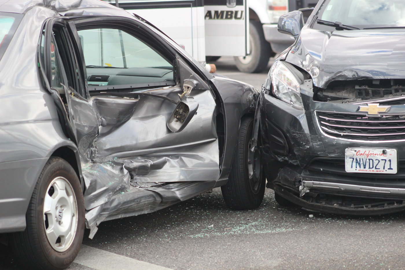 A left turn by the driver of a westbound 2004 Honda Civic while St. George Boulevard was making a left turn onto 1000 East crashed into an eastbound 2016 Chevrolet Traverse SUV, resulting in the passenger side of the Honda getting hammered. No one was taken the hospital as result of the crash, and the driver of the Honda was cited for failure to yield, St. George Police Sgt. Choli Ence said, St. George, Utah, Sept. 2, 2016 | Photo by Mori Kessler, St. George News