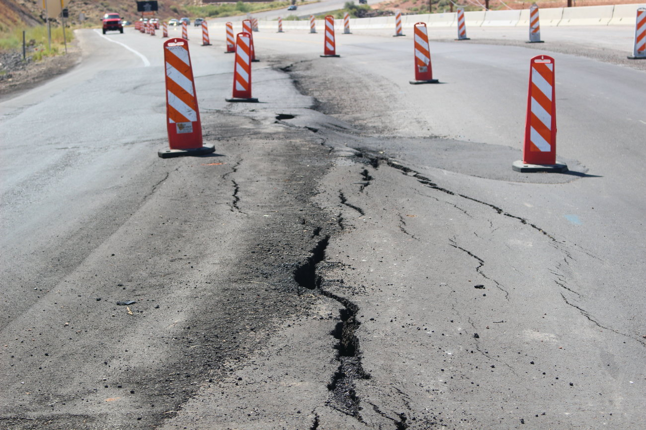 Washington City officials are moving on proposed solutions to fix a gradual slide occurring on the hillside that has damaged a part of Telegraph Street north of Washington Parkway, Washington City, Utah, Sept. 9, 2016 | Photo by Mori Kessler, St. George News