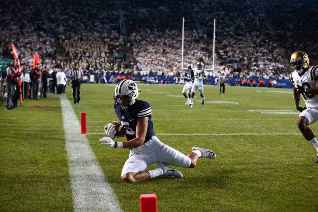 Nick Kurtz catches a fourth quarter TD pass, BYU vs. UCLA, Provo, Utah, Sept. 17, 2016 | Photo by BYU Photo