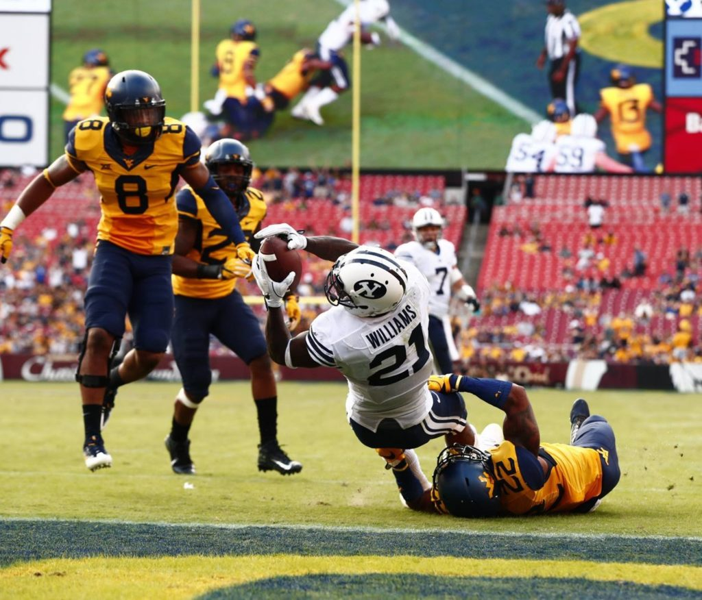 Jamaal Willimas scores a TD, BYU vs. West Virginia, Landover, Md., Sept. 24, 2016 | Photo by BYU Photo