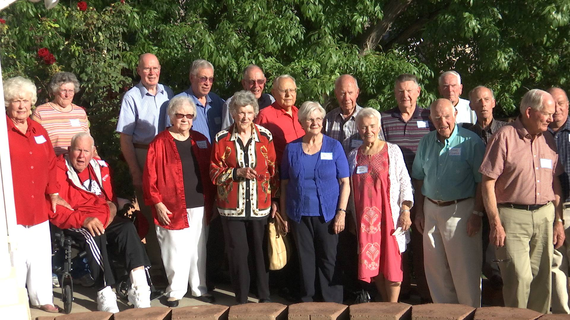 Alumni from Dixie High School and Dixie State University pose for a class picture at the Stephen and Maria Wade Alumni House, St. George, Utah, Oct. 22, 2016 | Photo by Austin Peck, St. George News