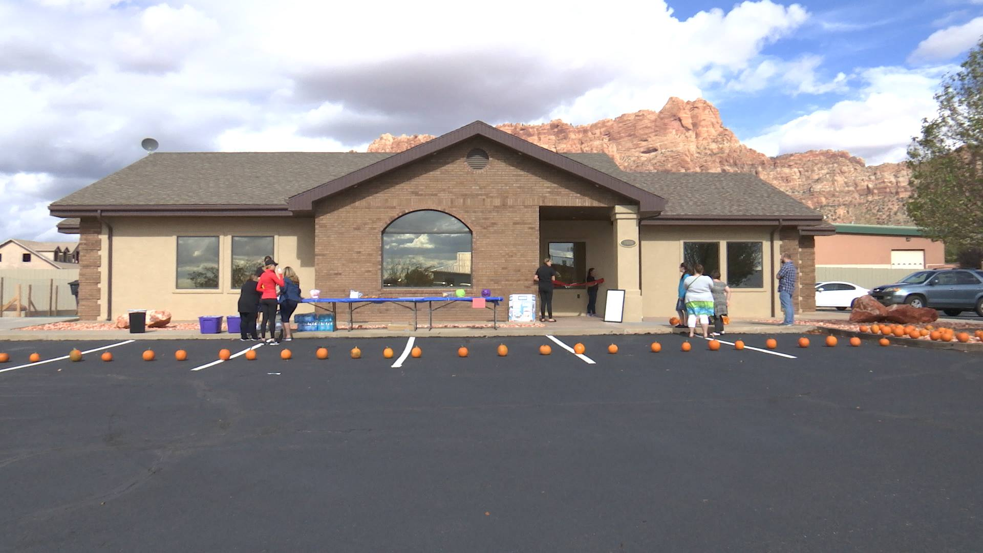 People prepare for the open house at the newly opened Hildale Dental, Hildale, Utah, Oct. 29, 2016 | Photo by Sheldon Demke, St. George News