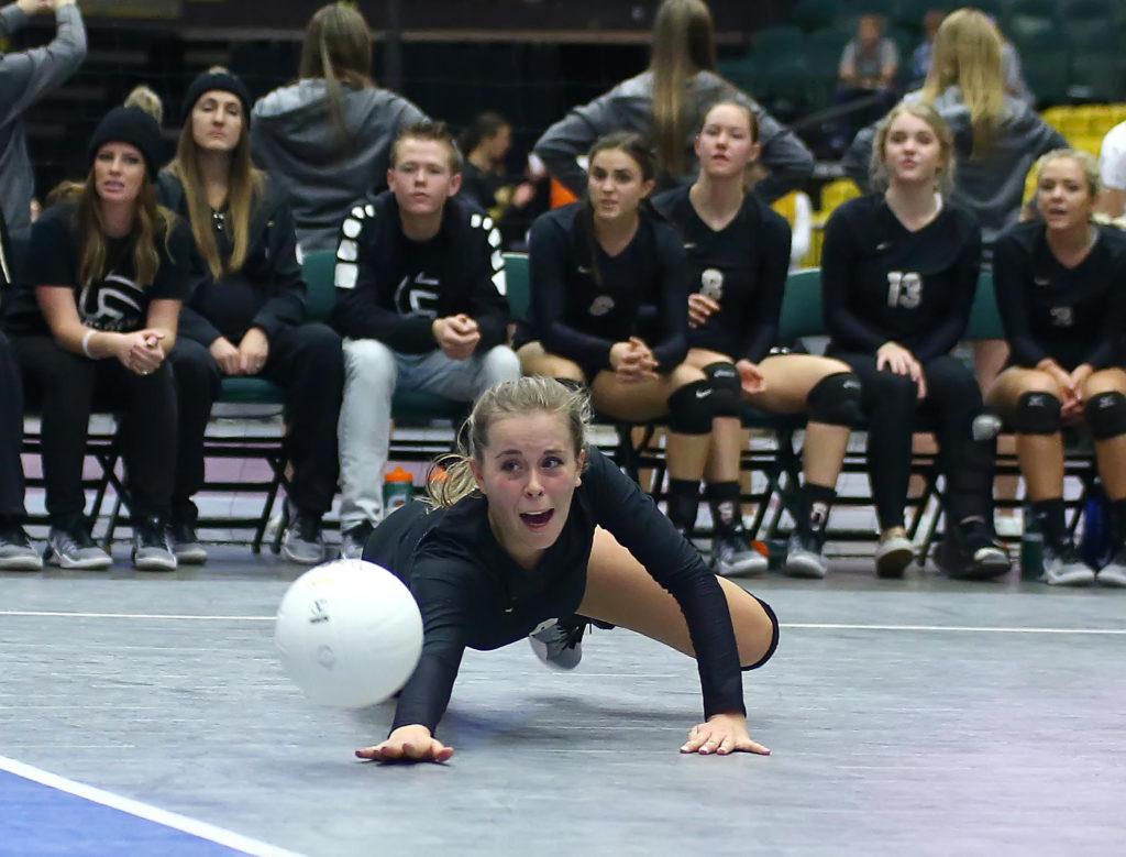 Desert Hills' Hailee Harmer (2), Desert Hills vs. Park City, 3A State Volleyball Tournament, Orem, Utah, Oct. 27, 2016, | Photo by Robert Hoppie, ASPpix.com, St. George News